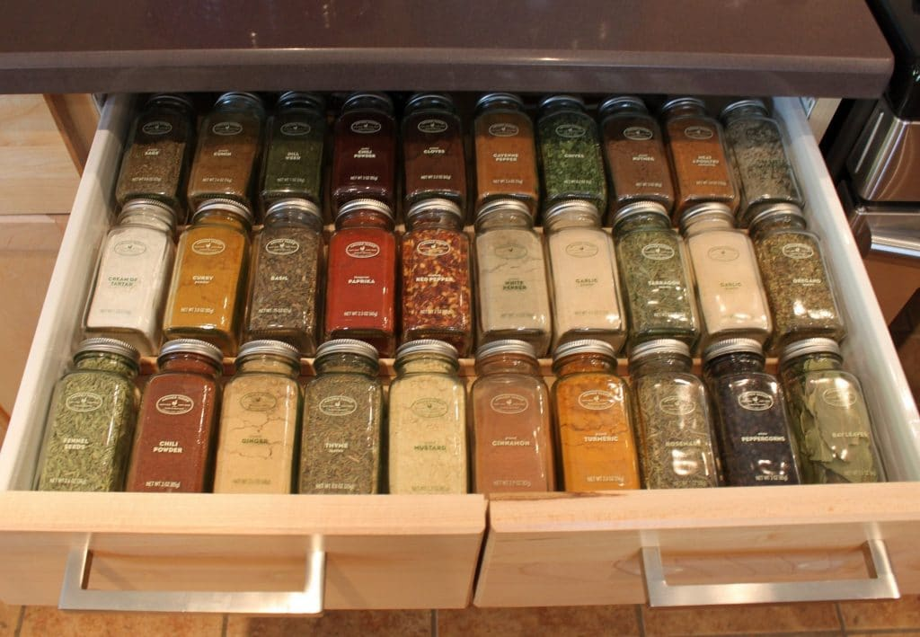 Vertical spice rack