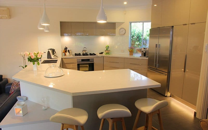 white l shape benchtop
