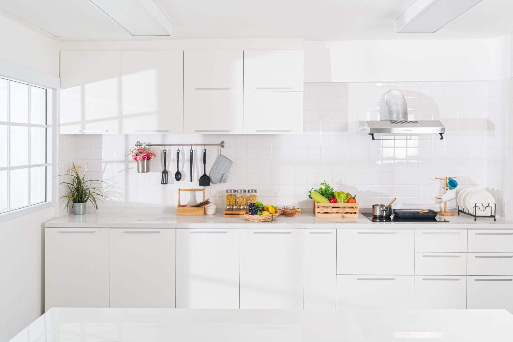 all-white-kitchen-blog
